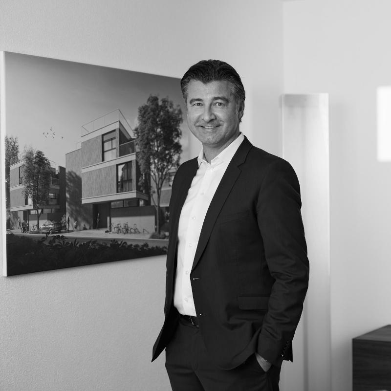 ivan schweizer Advendis Immobilien-Kompetenz aus einer Hand